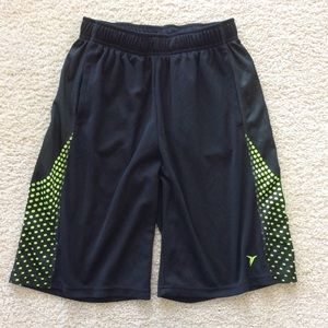 Old Navy Other - 👫Old Navy Active shorts