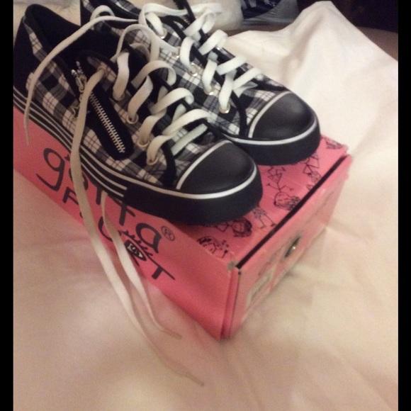 2189c0b0242ed9 Gotta Flurt Shoes - Converse style, beautiful plaid zip intricate shoe