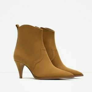 ZARA Medium Heel Pointed ankle boots