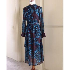 Whowhatwear Dresses & Skirts - Vintage style floral dress