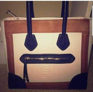 Aldo Handbags - Aldo bag.    OFFERS ACCEPTED! ☺