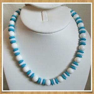 """Blue & White Beaded Necklace 16 3/4"""""""