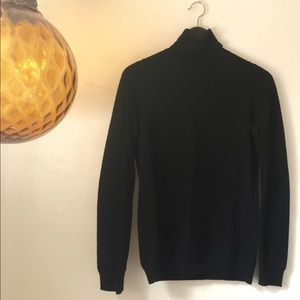 Vince 100% Wool Turtleneck size XS
