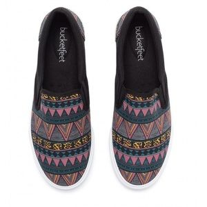 Bucket Feet Shoes - Bucketfeet Tribal Slip-on Shoes