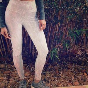 ALO Yoga Pants - ALO AIRBRUSH 🖤PYTHON