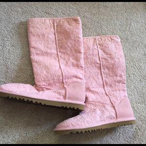UGG Shoes - SUMMER OF UGGS NWOT