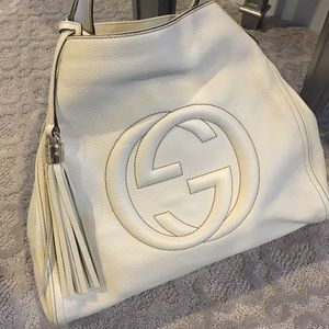 Gucci Handbags - ✨Gucci Soho Large A-Shape Hobo Bag in Creme ✨