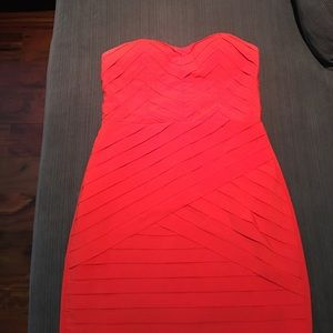Gianni Bini red strapless dress