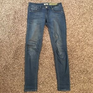 Indigo Rein Denim - Adorable skinny jeans!!