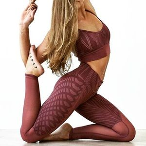 ALO Yoga Pants - ALO 🖤Ganache Arches & Mesh