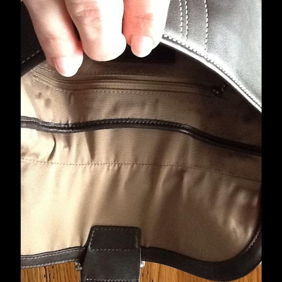 how to clean leather bag at home