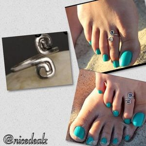 Jewelry - ✨unique  Stylish toe ring✨