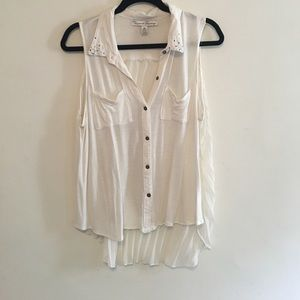 Bacco Bucci Tops - White flowy thank top size xl! Super cute and soft