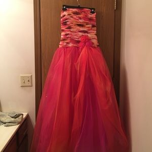 Faviana Dresses & Skirts - Orange and pink prom dress