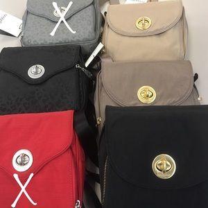 Baggallini Handbags - NWT Baggalini Kensington Mini Crossbody
