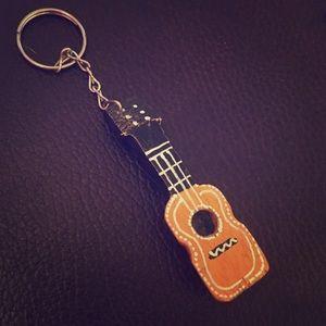 🎼 guitar keychain🎸