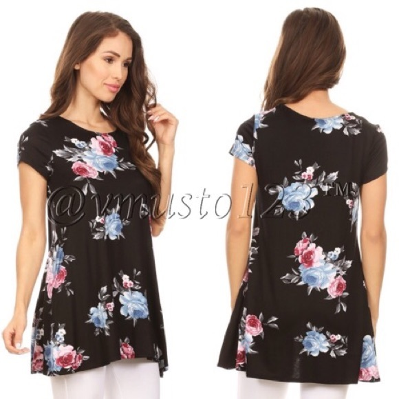 ValMarie Boutique Tops - FLORAL BLACK SHORT SLEEVE TOP W/ POCKETS
