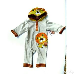 Baby Essentials Other - NWT-Lion Jumpsuit