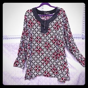 Avenue Tops - Plus size 30/32 Avenue jeweled Black Red Tunic