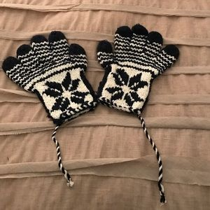 Cute knit gloves