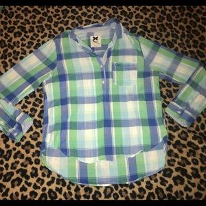 Gilly Hicks Tops - Gilly Hicks plaid pocket pullover button-up sz L