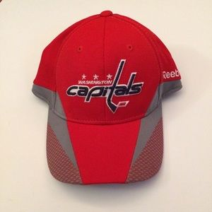 e7c2f48e78a Accessories - NWOT Washington Capitals Hat