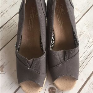 Toms Wedges, taupe colored, new, size 7
