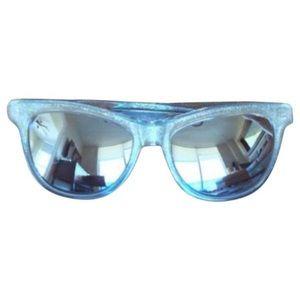 WILDFOX Catfarer Deluxe Mirrored Sunglasses + case