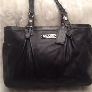 Coach Handbags - LARGE COACH Gallery East West LEATHER Tote