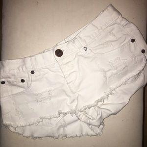 One Teaspoon White Bonita Shorts 26