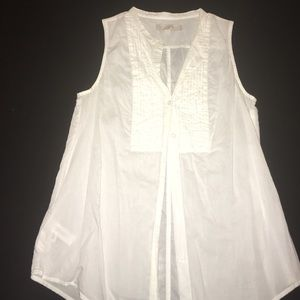 Sleeveless loft white blouse with detailing