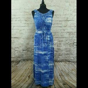 Dresses & Skirts - Blue and White Maxi Dress