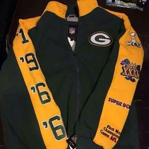 Other - Brand new Green Bay heavy duty jacket