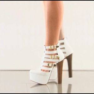 Penny Sue Shoes - Renegade in white