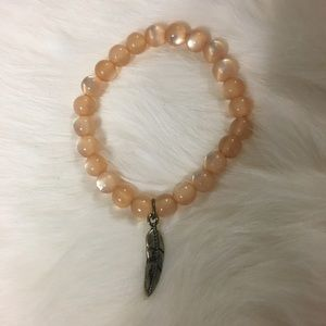Jewelry - Handmade feather stretch bracelet