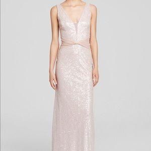 Vera Wang Dresses & Skirts - Vera Wang Sequin Mesh Gown