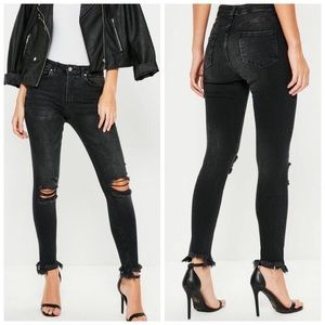 ❥ Missguided Black Distressed Frayed Jeans