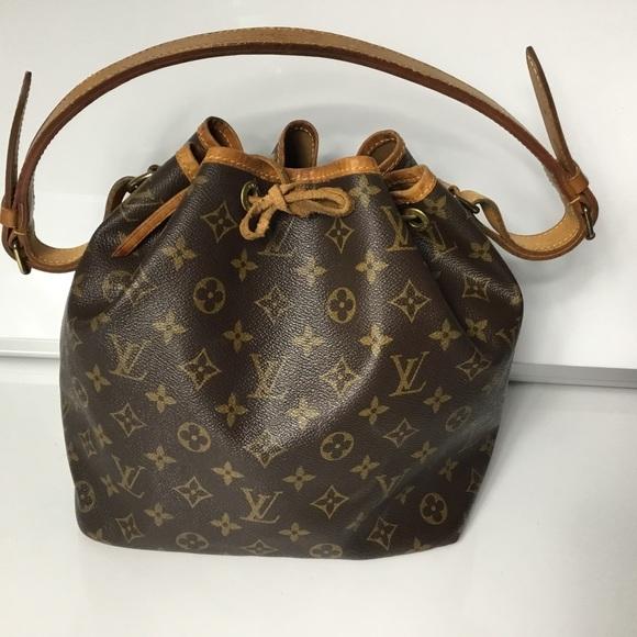15ea4f663eb9 Louis Vuitton Handbags - 100% Authentic Louis Vuitton 1993 Vintage Noe PM