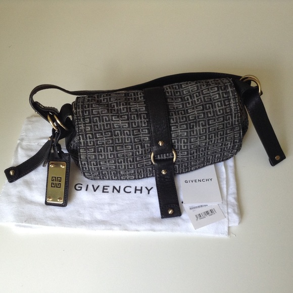656f2a0b94 NWT Givenchy Pandora Bag