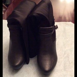 Forever Unique Shoes - Gently used forever black boots.