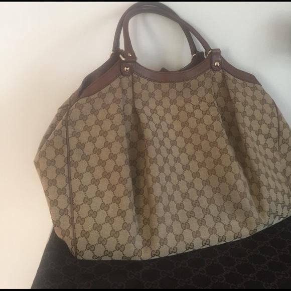 4ca1f8eb8440 Gucci Handbags - Authentic Gucci Large Sukey Tote 👜