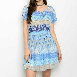 Dresses & Skirts - Blue Patchwork Floral Print Flowy Dress