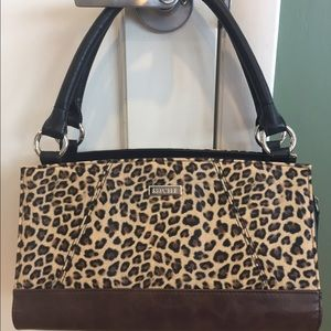 Miche Handbags - Authentic Miche Bag with extra never used cover