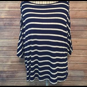 Dress Barn Tops - Dressbarn Size 1X 3/4 Open Sleeve Blouse.