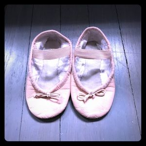 Bloch Other - Bloch pink ballet shoes