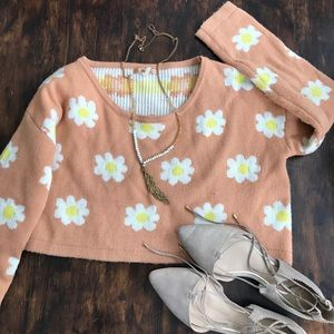 36 point 5 Sweaters - Peach cropped sweater with flower detail. Size S