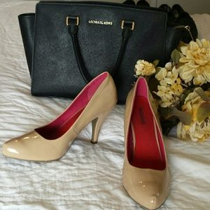 Unlisted Shoes - Unlisted Wms Tan Heels Sz 10 Med