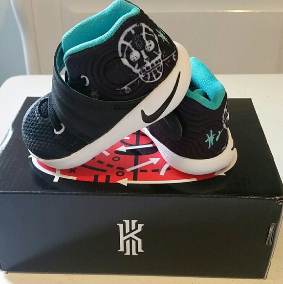 fb18c0bbe263 Nike Kyrie Irving