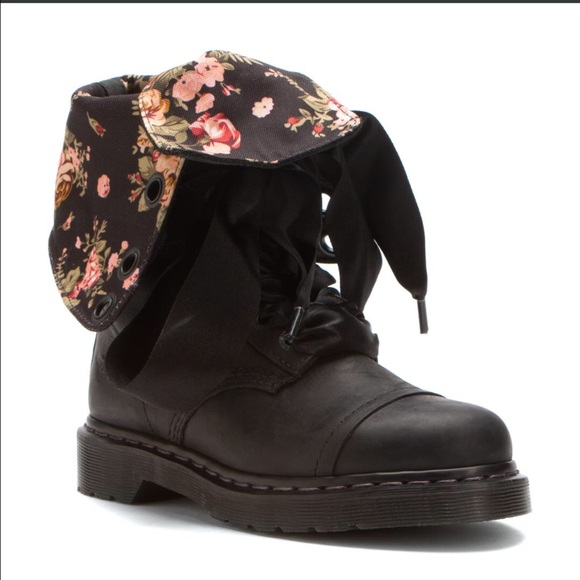 508c815cb352 Dr. Martens Shoes - Journey s Triumph 1914 Floral Boots Black Leather