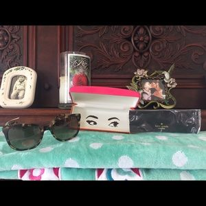 kate spade Accessories - 😎💕NWT Kate ♠️Spade Tortoise Sunglasses 😎 💕